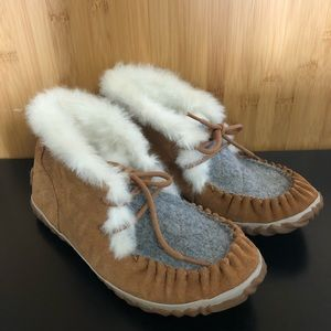 Sorel Out and About Moccasins EUC